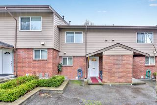 """Photo 1: 110 10748 GUILDFORD Drive in Surrey: Guildford Townhouse for sale in """"Guildford Close"""" (North Surrey)  : MLS®# R2526567"""