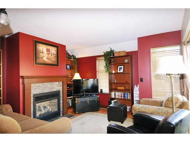 "Photo 2: Photos: # 207 20675 118TH AV in Maple Ridge: Southwest Maple Ridge Townhouse for sale in ""ARBOR WYNDE"" : MLS®# V1043404"