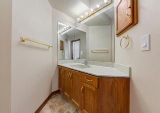 Photo 10: 147 Scenic Cove Circle NW in Calgary: Scenic Acres Detached for sale : MLS®# A1073490