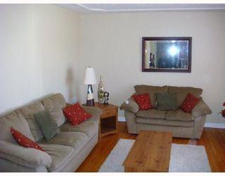 Photo 4: 974 BANNERMAN Avenue in WINNIPEG: North End Residential for sale (North West Winnipeg)  : MLS®# 2804796