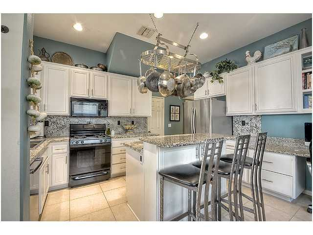 Photo 10: Photos: SCRIPPS RANCH Townhouse for sale : 3 bedrooms : 11821 Miro Circle in San Diego