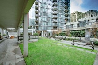 "Photo 13: 2001 1211 MELVILLE Street in Vancouver: Coal Harbour Condo for sale in ""RITZ"" (Vancouver West)  : MLS®# R2559926"