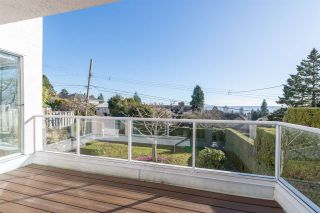 """Photo 6: 2125 LAWSON Avenue in West Vancouver: Dundarave House for sale in """"Dundarave"""" : MLS®# R2329676"""
