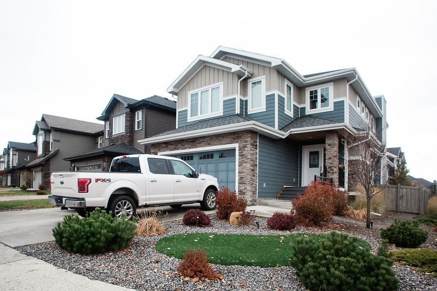 Main Photo: 3304 WEST Court in Edmonton: Zone 56 House for sale : MLS®# E4233300