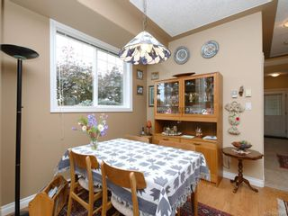 Photo 7: 1 3338 Whittier Ave in Saanich: SW Rudd Park Row/Townhouse for sale (Saanich West)  : MLS®# 841546
