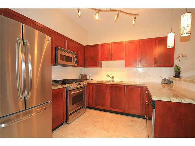 Main Photo: 310 4468 ALBERT STREET in : Vancouver Heights Townhouse for sale : MLS®# V994337