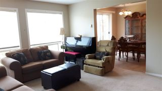 "Photo 3: 35 46906 RUSSELL Road in Sardis: Promontory Townhouse for sale in ""RUSSELL HEIGHTS"" : MLS®# R2180812"