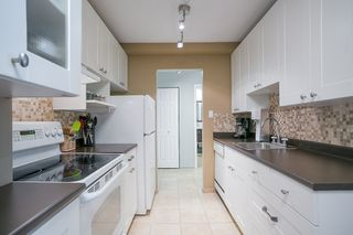 "Photo 3: 307 131 W 4TH Street in North Vancouver: Lower Lonsdale Condo for sale in ""NOTTINGHAM PLACE"" : MLS®# R2135038"