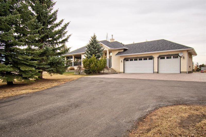 FEATURED LISTING: 243032 Rge Rd 281A Rural Rocky View County