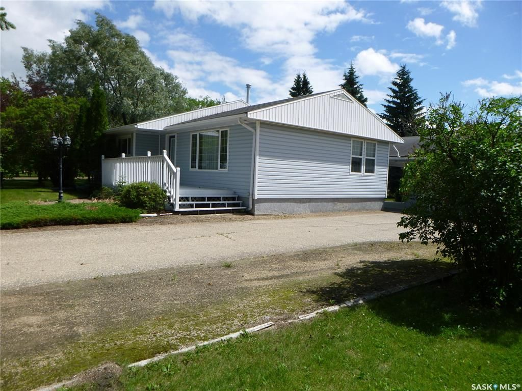 Main Photo: 1102 92nd Avenue in Tisdale: Residential for sale : MLS®# SK850096