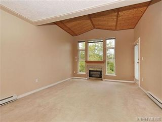 Photo 2: 310 400 Dupplin Rd in VICTORIA: SW Rudd Park Condo for sale (Saanich West)  : MLS®# 650886