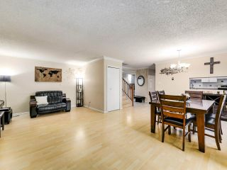 "Photo 6: 4 9151 FOREST GROVE Drive in Burnaby: Forest Hills BN Townhouse for sale in ""ROSSMOOR"" (Burnaby North)  : MLS®# R2499392"