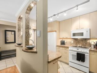 Photo 5: 208 1345 COMOX Street in Vancouver: West End VW Condo for sale (Vancouver West)  : MLS®# R2156986