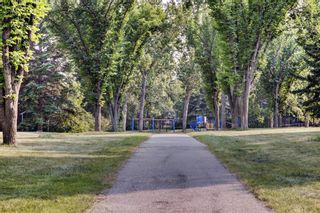 Photo 2: 2620 Palliser Drive SW in Calgary: Oakridge Detached for sale : MLS®# A1134327