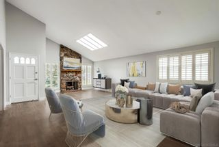 Photo 2: ENCINITAS House for sale : 4 bedrooms : 343 Cerro St