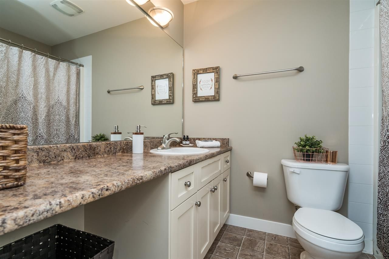"""Photo 20: Photos: 34777 1ST Avenue in Abbotsford: Poplar House for sale in """"Huntingdon Village"""" : MLS®# R2545017"""