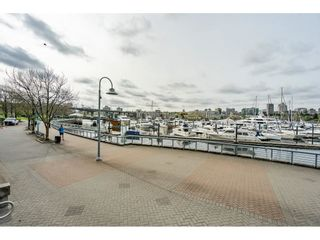 """Photo 24: 607 1077 MARINASIDE Crescent in Vancouver: Yaletown Condo for sale in """"Marinaside Resort"""" (Vancouver West)  : MLS®# R2573754"""