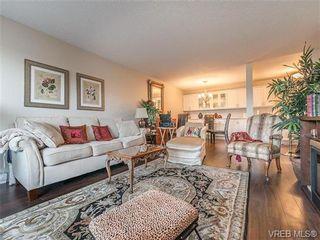 Photo 3: 205 360 Dallas Rd in VICTORIA: Vi James Bay Condo for sale (Victoria)  : MLS®# 737494