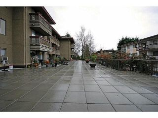 """Photo 14: 306 436 SEVENTH Street in New Westminster: Uptown NW Condo for sale in """"Regency Court"""" : MLS®# R2242396"""