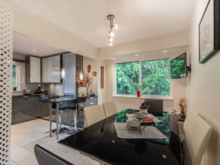 """Photo 3: 9502 WILLOWLEAF Place in Burnaby: Forest Hills BN Townhouse for sale in """"Willowleaf"""" (Burnaby North)  : MLS®# R2588078"""