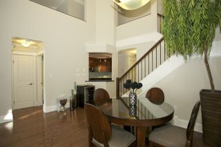 Photo 3: 405 1575 BEST STREET: White Rock Condo for sale (South Surrey White Rock)  : MLS®# R2032421