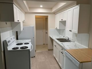 Photo 2: 304 33956 ESSENDENE Avenue in Abbotsford: Central Abbotsford Condo for sale : MLS®# R2508613