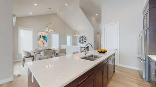 Main Photo: 42 Crestridge Bay SW in Calgary: Crestmont Row/Townhouse for sale : MLS®# A1132799
