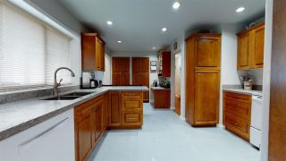 Photo 3: 776 E 15TH Street in North Vancouver: Boulevard House for sale : MLS®# R2592741