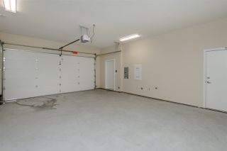 """Photo 20: 17 1968 N PARALLEL Road in Abbotsford: Abbotsford East Townhouse for sale in """"Parallel North"""" : MLS®# R2173432"""