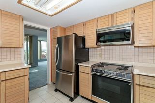 Photo 10: 401 1455 DUCHESS Avenue in West Vancouver: Ambleside Condo for sale : MLS®# R2364582