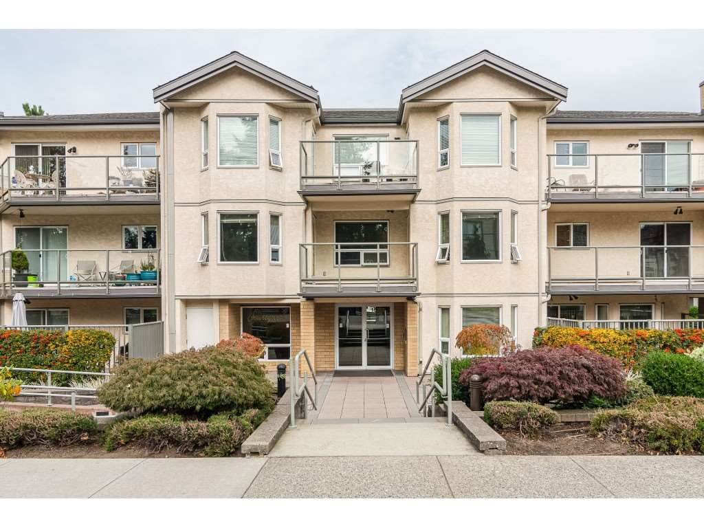 "Main Photo: 205 15255 18 Avenue in Surrey: King George Corridor Condo for sale in ""THE COURTYARD"" (South Surrey White Rock)  : MLS®# R2410845"