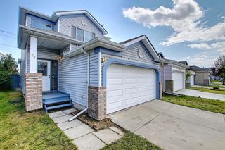 Photo 2: 22 Martin Crossing Way NE in Calgary: Martindale Detached for sale : MLS®# A1141099