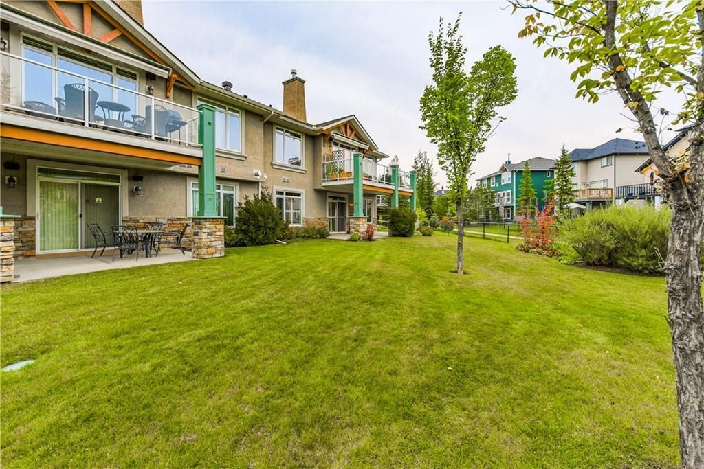 Photo 6: Photos: 73 DISCOVERY WOODS Villa SW in Calgary: Discovery Ridge Semi Detached for sale : MLS®# C4218779