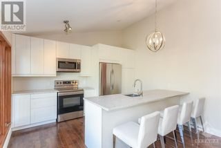 Photo 7: 102 STARWOOD ROAD UNIT#A in Ottawa: House for rent
