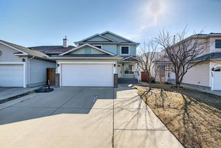 Photo 2: 351 Applewood Drive SE in Calgary: Applewood Park Detached for sale : MLS®# A1094539