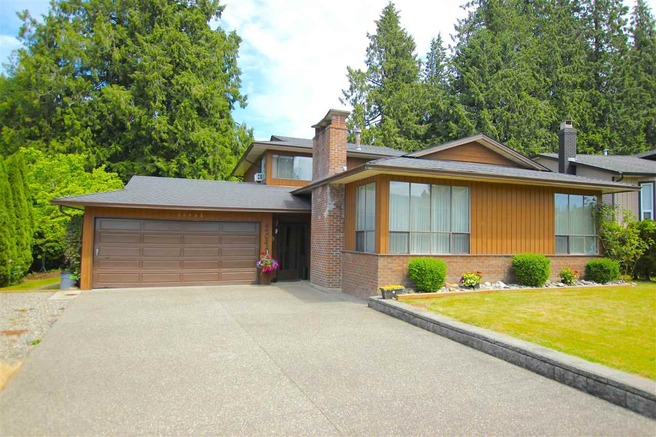 Main Photo: 20435 90 Crescent in Langley: Walnut Grove House for sale : MLS®# R2077715
