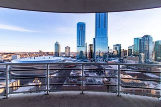 Photo 2: 2102 10388 105 Street in Edmonton: Zone 12 Condo for sale : MLS®# E4223976