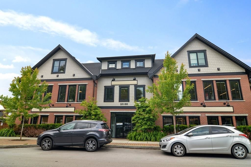 """Main Photo: 305 23189 FRANCIS Avenue in Langley: Fort Langley Condo for sale in """"Lilly Terrace"""" : MLS®# R2591245"""