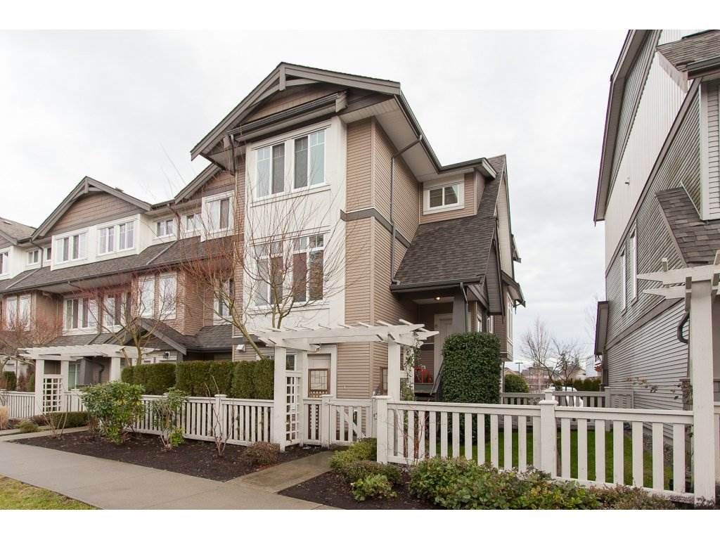 """Main Photo: 6 8250 209B Street in Langley: Willoughby Heights Townhouse for sale in """"Outlook"""" : MLS®# R2233162"""