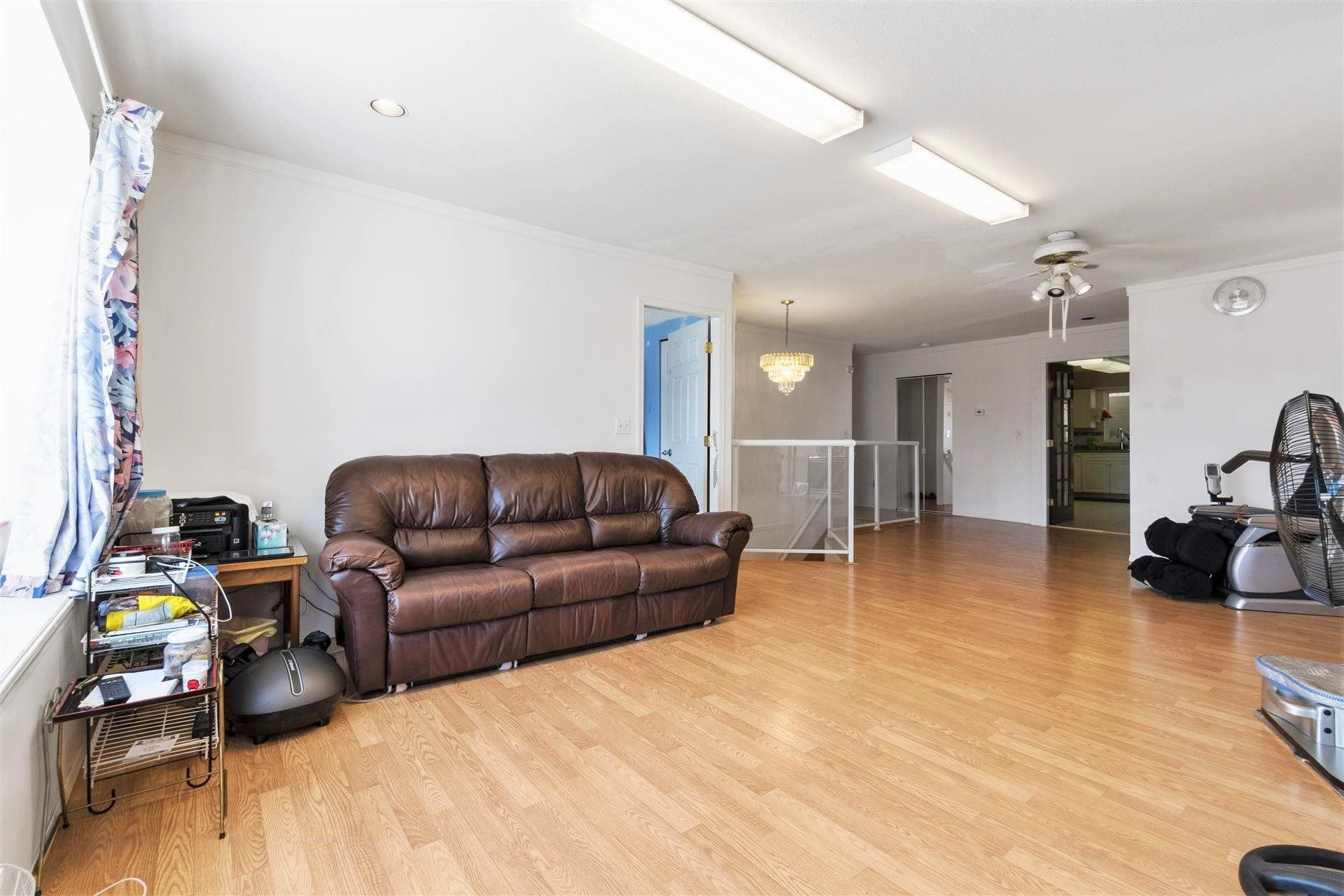 Photo 5: Photos: 139 SAN JUAN Place in Coquitlam: Cape Horn House for sale : MLS®# R2604553
