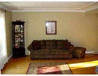 Photo 2: 256 CARPATHIA Road in WINNIPEG: River Heights / Tuxedo / Linden Woods Single Family Detached for sale (South Winnipeg)  : MLS®# 2715287
