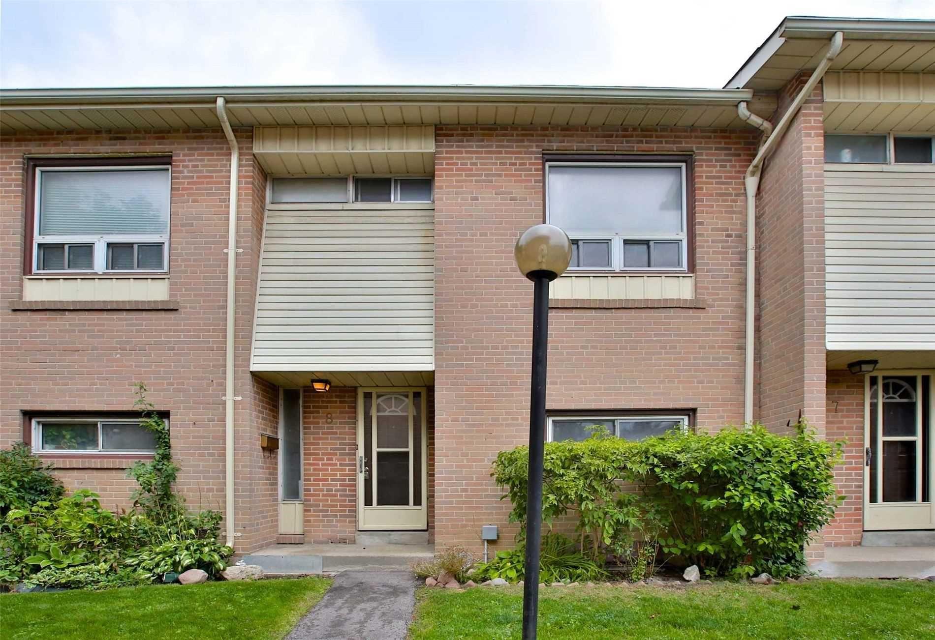 Photo 1: Photos: 8 695 Birchmount Road in Toronto: Kennedy Park Condo for sale (Toronto E04)  : MLS®# E4600623
