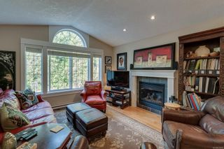Photo 5: 3377 Sewell Rd in : Co Triangle House for sale (Colwood)  : MLS®# 870548