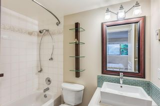 Photo 18: 102 1025 Meares St in Victoria: Vi Downtown Condo for sale : MLS®# 858477