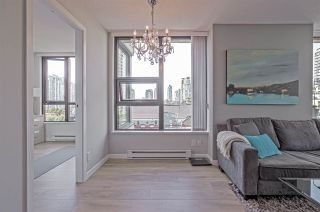"Photo 2: 701 928 HOMER Street in Vancouver: Yaletown Condo for sale in ""YALETOWN PARK 1"" (Vancouver West)  : MLS®# R2395020"