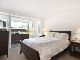 Photo 7: 2404 PINE Street in Vancouver West: Home for sale : MLS®# V1004538