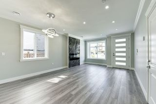 Photo 4: 5351 CHESHAM Avenue in Burnaby: Central Park BS 1/2 Duplex for sale (Burnaby South)  : MLS®# R2417757