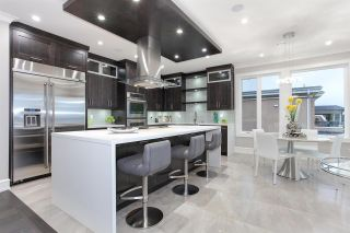 """Photo 18: 15765 PACIFIC Avenue: White Rock House for sale in """"White Rock"""" (South Surrey White Rock)  : MLS®# R2582579"""