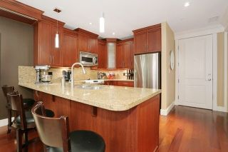Photo 8: 207 15164 PROSPECT AVENUE: White Rock Home for sale ()  : MLS®# R2032759