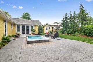 """Photo 16: 8822 TRATTLE Street in Langley: Fort Langley House for sale in """"Fort Langley"""" : MLS®# R2461182"""